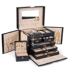 Stunning leather jewelry box for her!  #3rdanniversary #anniversary #anniversaryideas #leather #jewelrybox #forher
