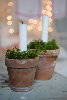 Great Idea for a rustic,casual, table setting. I adore clay pots with candles and greenery. Great Idea for a rustic,casual, table setting. I adore clay pots with candles and greenery. Noel Christmas, Simple Christmas, Christmas Crafts, Xmas, Christmas Centerpieces, Wedding Centerpieces, Christmas Decorations, Holiday Decor, Christmas Candles