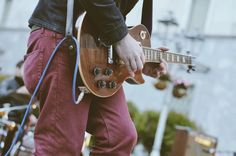 Sugar Worms, Fabio Sozzi - Fotografie di Chiara Arrigoni. Concerto Resistente del 25 Aprile 2016 in Piazza Garibaldi con Sugar Worms: Fabio Sozzi, Andrea Cortenova... #rock #live #lecco #25aprile