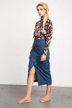EJSTYLE - Emma Hill wears Zara denim a line button midi skirt ...
