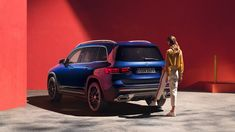 The new Mercedes-Benz GLB shows character: With its striking SUV design and all the comfort highlights, it is a true SUV right down to the smallest detail. New Mercedes, Mercedes Benz Cars, Roof Rails, Compact Suv, Head Up Display, Two By Two