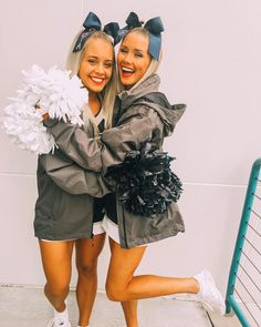 Cheer Picture Poses, Cheer Poses, Picture Ideas, Cheer Camp, Cheer Dance, Cheerleading Pictures, Cheerleading Stunting, High School Cheerleading, Volleyball Pictures