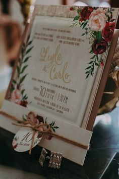 El diseño gráfico nupcial nos sorprende una vez más con propuestas hechas a medida.   #Matrimoniocompe #Matrimonio #Boda #InvitacionDeBoda #Invitaciones #Detalles Bridal, Gift Wrapping, Gifts, Invitation Cards, Love Posters, Gift Wrapping Paper, Presents, Brides, Bride