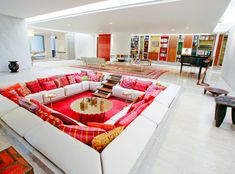 Conversation pit = awesome.