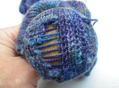 Tutorial: How to darn your sock with duplicate stitch