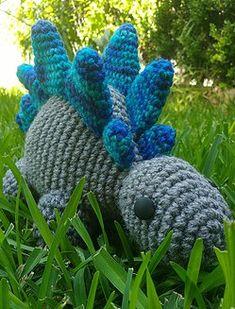 Stegosaurus - free crochet pattern from LoopyYarn.