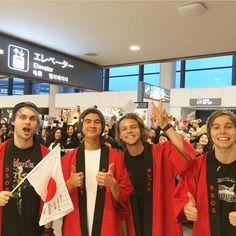 5sos in Japan!