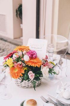 Segnaposto di nozze con fiori freschi #matrimonio #nozze #sposi #sposa #segnaposto #wedding #weddingideas #menu #ricevimento