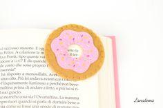 Segnalibro ciambella in feltro, segnalibro ad angolo, ciambella rosa con zuccherini colorati, dolce in feltro di Lanatema su Etsy
