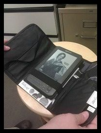 Use your fold n go organizer from thirty one to hold your kindle or iPad mini. www.mythirtyone.com/kelliebenge