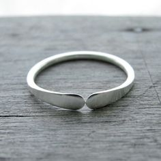 Sterling+silver+ring+simple+narrow+best+by+BlackDaisyDesigns,+kr179.00