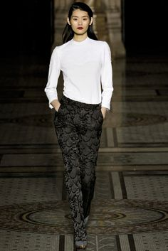 Nicole Farhi Fall 2012 Ready-to-Wear Collection Photos - Vogue
