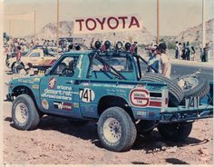 I quite am keen on this finish color for this 1978 Toyota 4x4, Toyota Trucks, Toyota Hilux, Toyota Tacoma, My Pickup, Pickup Trucks, Mini Trucks, New Trucks, General Tire