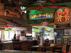 Pinchers Crab Shack - Tin City, Naples, FL  Yummy! Cant wait to eat some crab!!