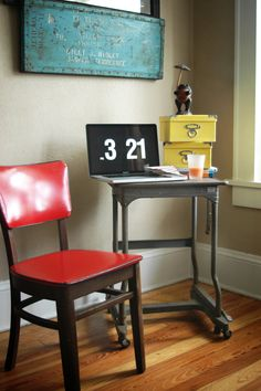 Industrial Rusty Vintage Typewriter Table by by thecopperlantana, $55.00