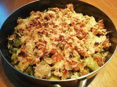 Prei-spruitjesschotel+met+kipgehakt+en+schapenkaas Lchf, Keto, Go For It, Potato Salad, Potatoes, Ethnic Recipes, Weight, Food, Tips
