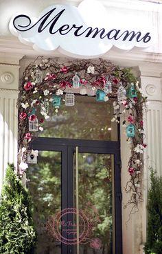 витрина украшение цветами кафе интерьер кемерово www. flofra.ru 1