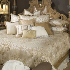 $939 Luxembourg Luxury King Bedding Set: Michael Amini Bedding Collection by AICO - Luxury Bedding