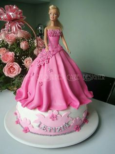 62 ideas of best birthday cake Doll 2019 - Birthday Cake Flower Ideen Barbie Doll Birthday Cake, Barbie Torte, Barbie Cake, Cool Birthday Cakes, Birthday Cake Girls, Happy Birthday, Bolo Artificial, Bolo Paris, Ballerina Cakes