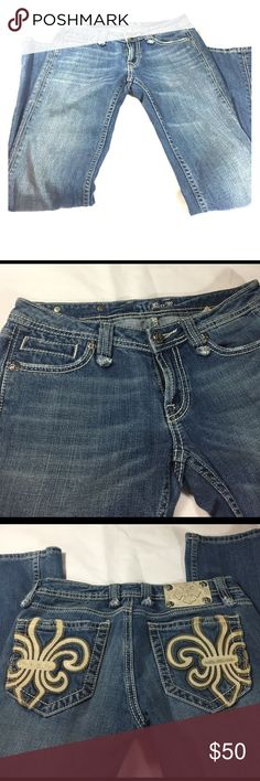 Miss Me Jeans with cream leather Miss Me Jeans with cream leather on back pockets Miss Me Jeans Straight Leg