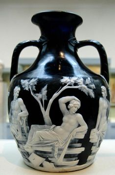 the most precious piece of Ancient Greece Art, cameo vase