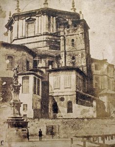 M<3 Milano | San Lorenzo e la Statua di San Lazzaro Vintage Italy, Hidden Treasures, Roman Empire, Strand, Vintage World Maps, Nostalgia, Old Things, Europe, Statue