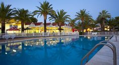 Bonterra Park Benicassim Featuring well-equipped bungalows with terraces, Bonterra Park is a 10-minute walk from Benicàssim Beach. It features indoor and outdoor swimming pools, a gym and a restaurant.  Each air-conditioned bungalow has simple décor with tiled floors.