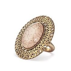 Avon Avanti Medallion Ring