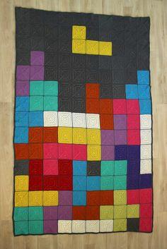 Dark stitching between squares Crochet Quilt Pattern, Crochet Blanket Patterns, Quilt Patterns, Crochet Afghans, Quilting 101, Quilting Projects, Crochet Projects, 8 Bit Crochet, Crochet Squares