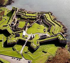 Ireland - History Hot Travel Spots -Charles Fort is the best-known historical attraction in Kinsale, Co Cork. Situated in Kinsale harbour, the star-shaped fortress is one of Ireland's finest examples of 17th-century fortification.