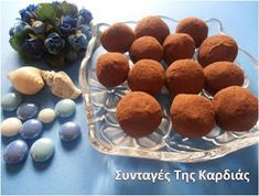 ΣΥΝΤΑΓΕΣ ΤΗΣ ΚΑΡΔΙΑΣ: Τρουφάκια τιραμισού Greek Sweets, Chocolate Treats, Group Meals, Sweet And Salty, Greek Recipes, Cupcake Cakes, Cupcakes, Good Food, Baking
