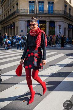 Paris SS 2018 Street Style: Giovanna Battaglia Engelbert