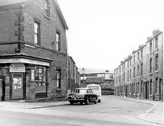 Little London Place from London Road. No 22, Chesterfield Road, Chesterfield Road Post Office, left. Back to back houses, right, leading to Courts 2, 4 and 6. Location:Sheffield_Meersbrook