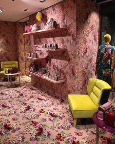 "GUCCI,Florence,Italy, ""The Interior Revealed"", pinned by Ton van der Veer Shop Window Displays, Store Displays, Gucci Florence, Florence Italy, Cannes, Interior Architecture, Interior Design, Gucci Floral, Gucci Store"