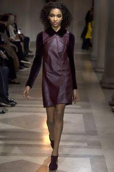 Carolina Herrera Fall 2016 Ready-to-Wear Fashion Show - Sofia Sanoh