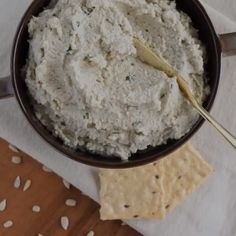 This vegan ricotta is made nut-free using sunflower seeds. Perfect for pasta, pizza and even as a spread for crackers! Vegan Cottage Cheese, Cottage Cheese Recipes, Vegan Cheese Recipes, Vegan Foods, Vegan Dishes, Paleo Diet, Vegan Lunches, Vegan Snacks, Gluten Free Cakes
