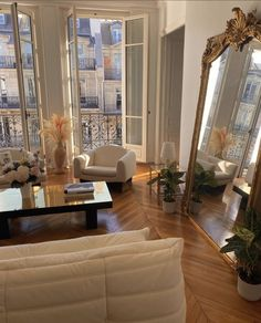 Parisian Apartment, Dream Apartment, European Apartment, French Apartment, Paris Apartments, Apartment Interior, Apartment Living, Dream Home Design, Home Interior Design