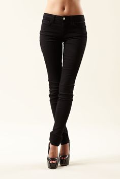 http://shoppingdoneforyou.com/joes-jeans-skinny-mid-rise-jeans-in-jet-black/  Joe's Jeans' Skinny Mid Rise Jeans in Jet Black  Fifty Five Colors Skinny Mid Rise in Jet Black - Joe's Jeans' skinny fit jean is incredibly Versatile - wear with flats, heels, or tucked into boots. Lean fits are not just for the skinny girl. Tapers in from the knee down. Skinny leg opening.
