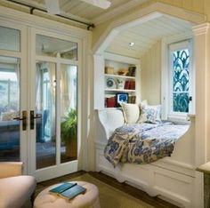 Idea de una ventana, con la pureza del blanco resaltando los colores