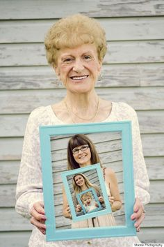 The most amazing multi-generational picture! Perfect Mother's Day present | Mother's Day | Gift Ideas | Photo Tips |