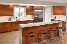 Cove Road Residence - contemporary - kitchen - san francisco - by Rossington Architecture Contemporary Kitchen Cabinets, Contemporary Kitchen Design, Luxury Kitchens, Home Kitchens, Dream Kitchens, Mahogany Cabinets, Handleless Kitchen, Counter Design, Bar Counter