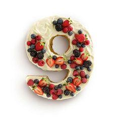 Forma silikonowa do ciasta dziewiątka Celebrate Lekue. Zobacz więcej na mykitchen.pl