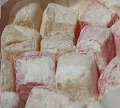 Narnia has always made me want to try Turkish Delight and this is what it looks like Christmas Candy Gifts, Homemade Christmas, Christmas Goodies, Holiday Treats, Christmas Baking, Diy Christmas, Greek Desserts, Greek Recipes, Narnia
