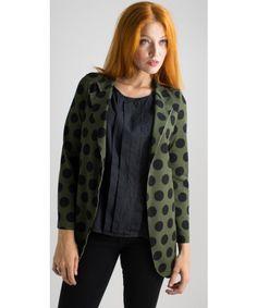 Giacca a Pois da desgin minimal. Vestibilità slim. Disponibile su https://www.melissaagnoletti.it/abbigliamento-donna/novita-donna/giacca-pois-you-decide-4769.html