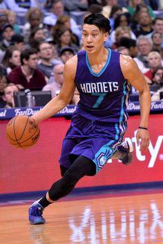 Charlotte Hornets guard Jeremy Lin (7) plays in the first half of an NBA basketball game Friday, Dec. 11, 2015, in Memphis, Tenn. (AP Photo/Brandon Dill) Photo: Brandon Dill, Associated Press / FR171250 AP