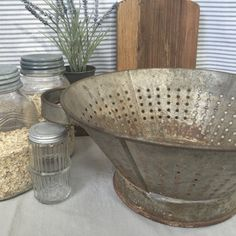 Oh wow! I love colanders, but I really love these huge ones. This is amazing if you have been looking for a larger vintage colander. This is
