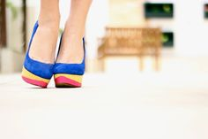 Catwalk Show. I love this Royal blue scarpin whif pink and yellow. Day look.