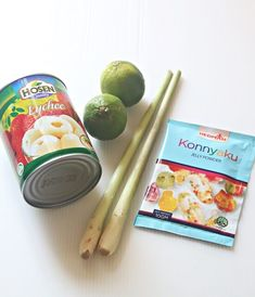 This lemon grass lychee Jelly is a very refreshing and delicious cold dessert that can definitely enjoy jin comfort with your family. Jelly Desserts, Cold Desserts, Jelly Recipes, Asian Desserts, Chinese Desserts, Chinese Food, Healthy Diet Recipes, Healthy Desserts, Dessert Recipes