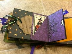 Mini Album Cookbook: another cute halloween album. lots of different pockets for tags