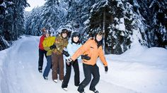 Alvaneu/Surava. Ice-skating fun - Romance and action on the world's fasted hiking trail. In the winter, the 3 km footpath from Alvaneu to Surava transforms into a spectacular iceway through snowy forests along the Albula River.